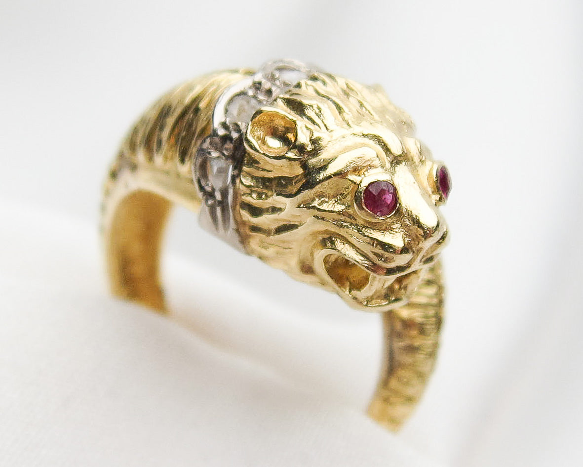 gold-lion-ring