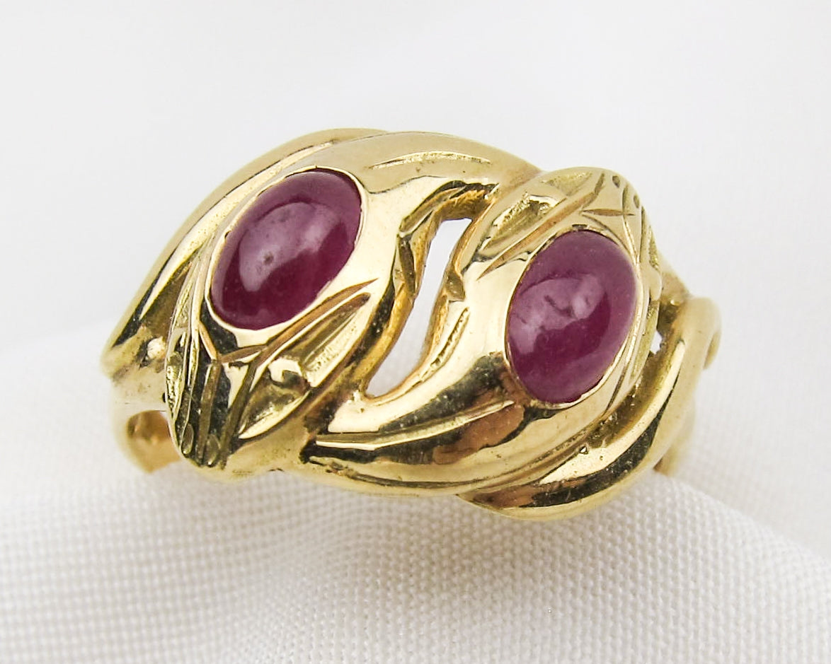gold-ruby-cabochon-snake-ring