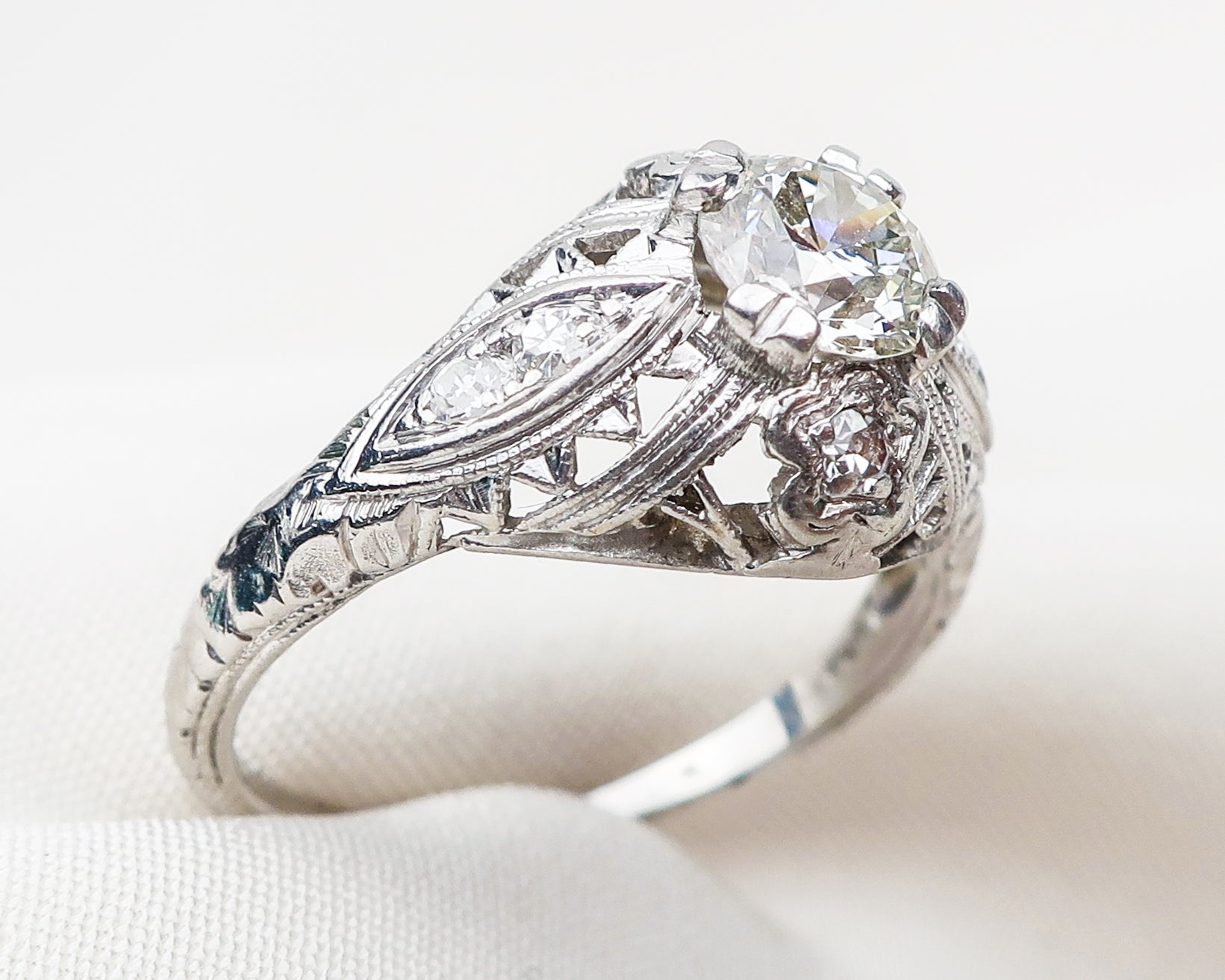 diamond-platinum-filigree-ring2