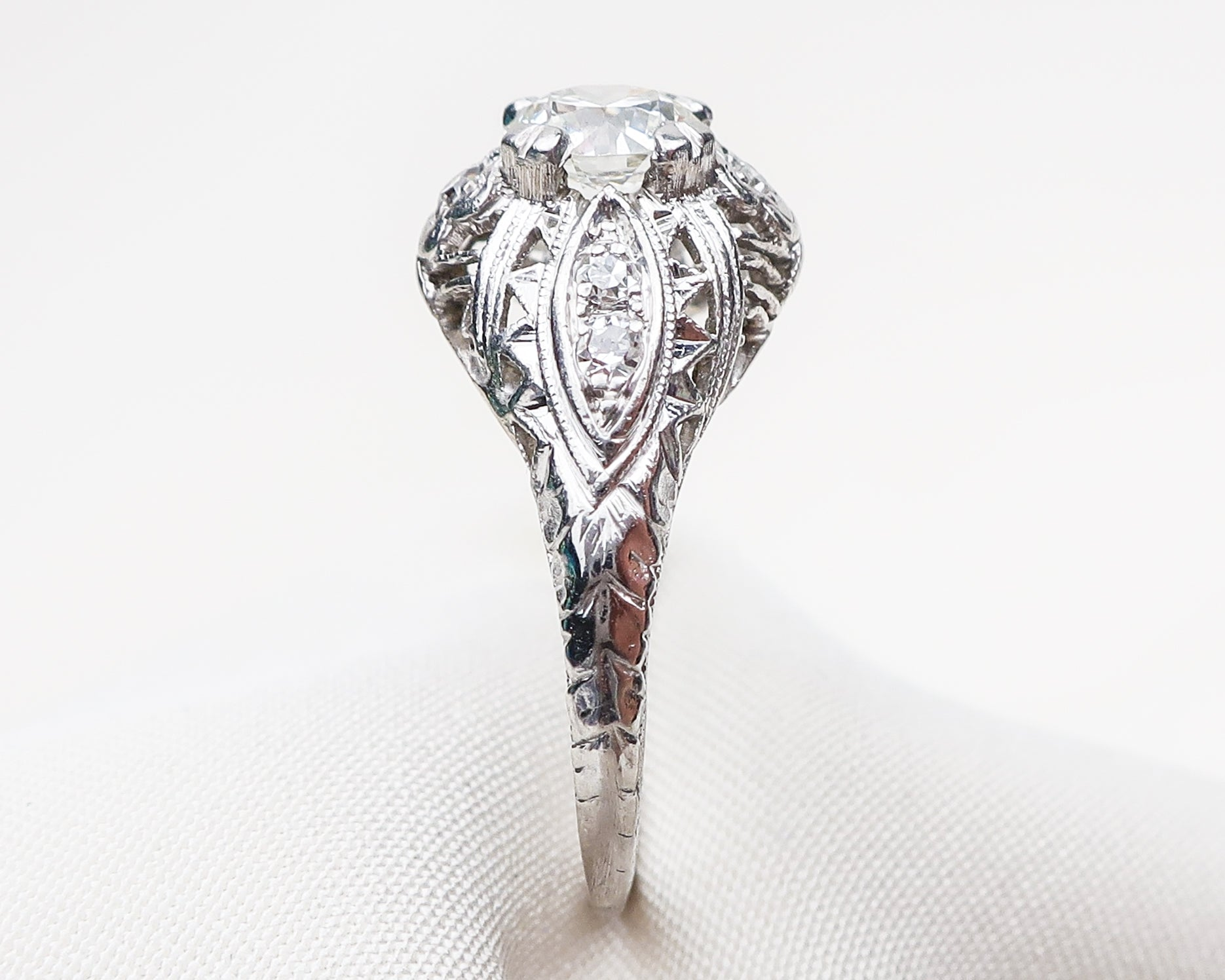 diamond-platinum-filigree-ring3