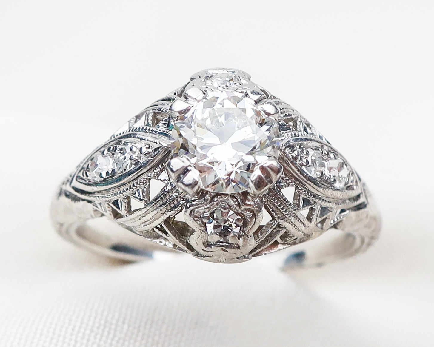 diamond-platinum-filigree-ring