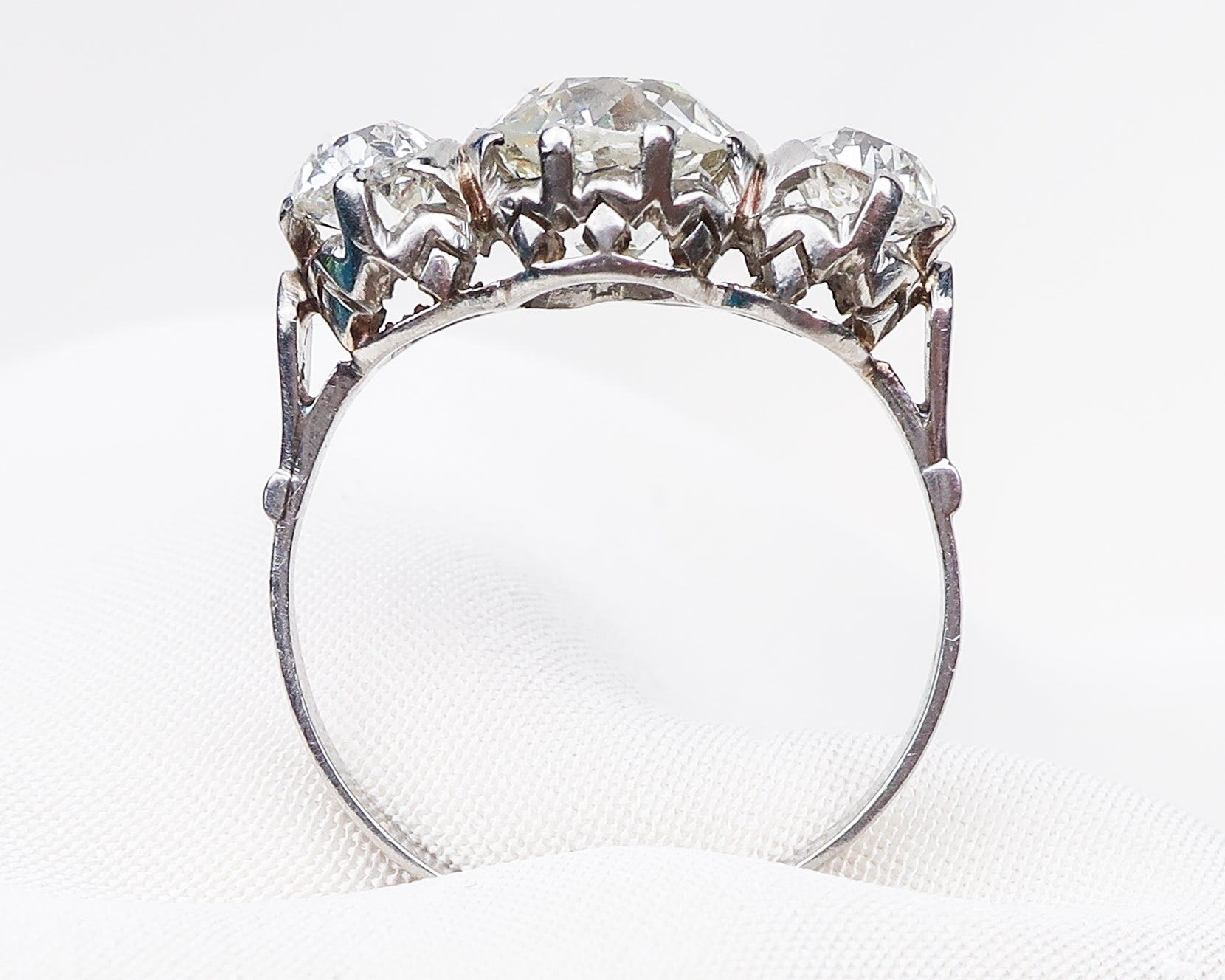 Edwardian Platinum Three-Stone Diamond Ring