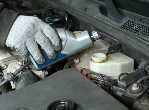 How Brake Fluid Works & How To Top It Up