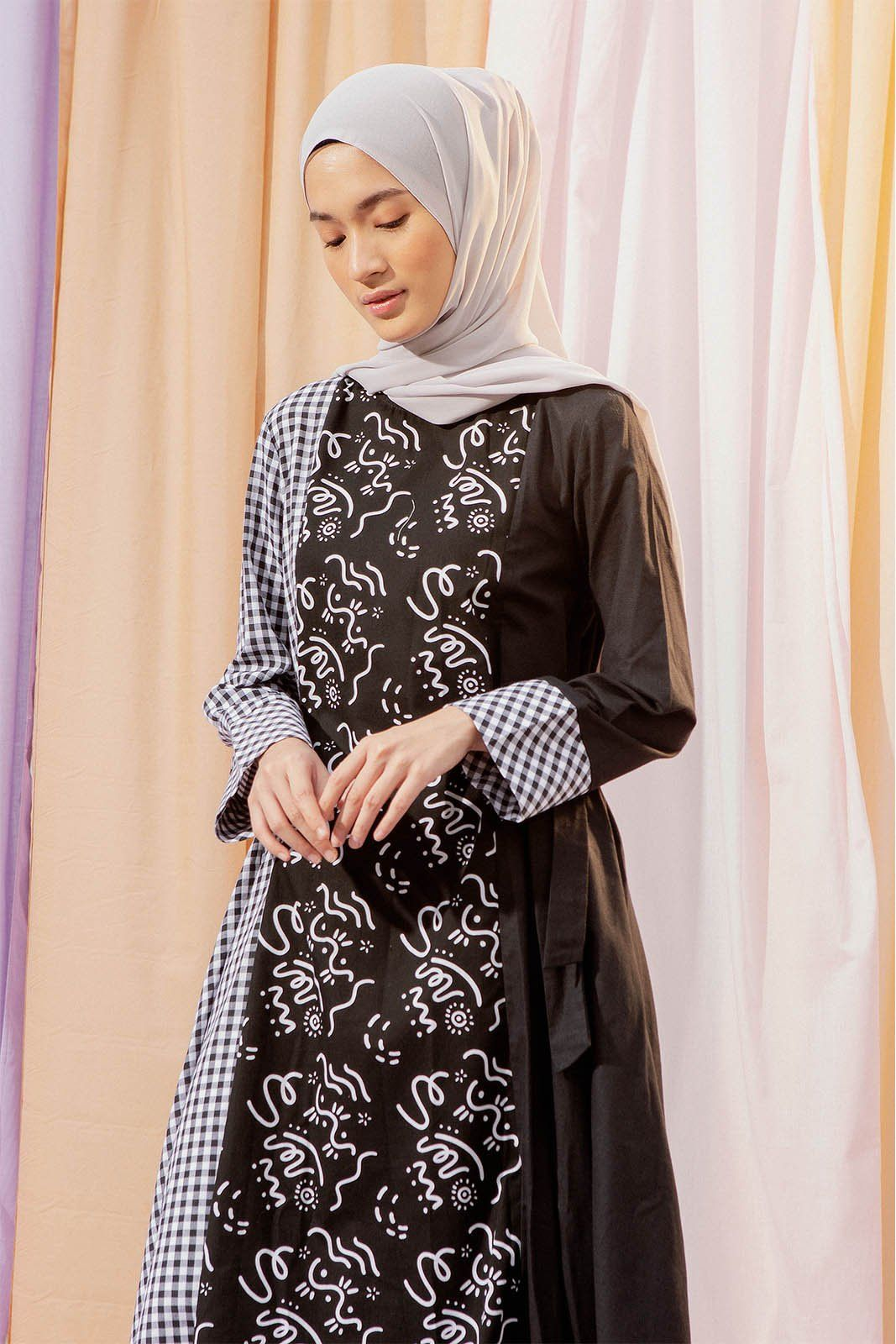 Naevia Black Gingham