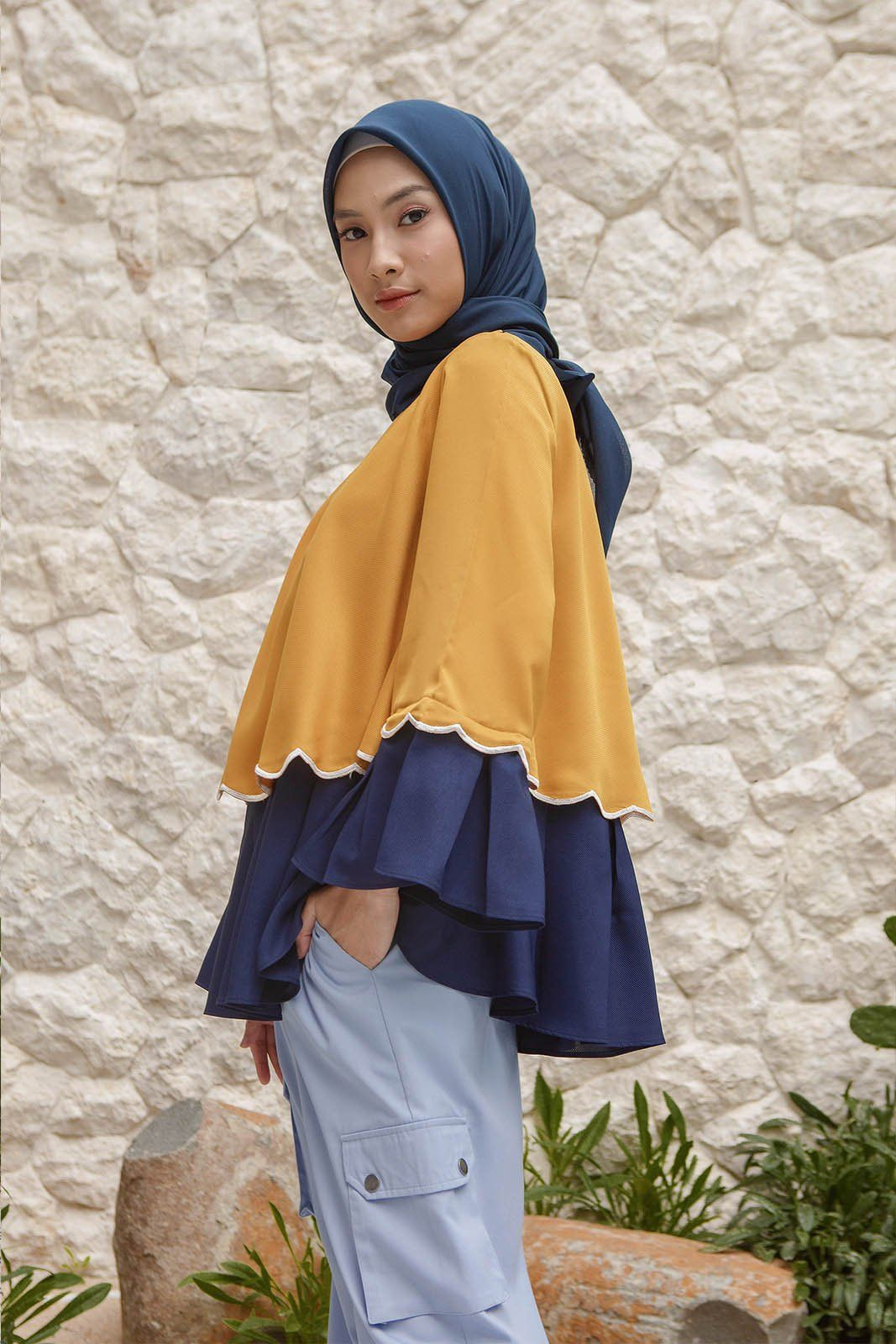 Aster yellow navy top