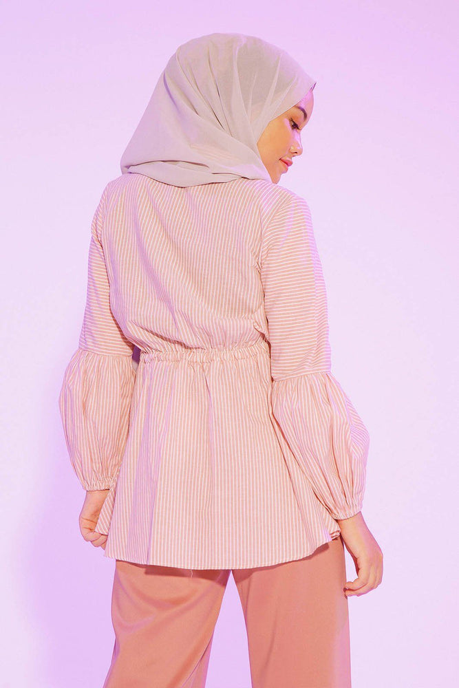 Load image into Gallery viewer, Calydta Stripe Pink top