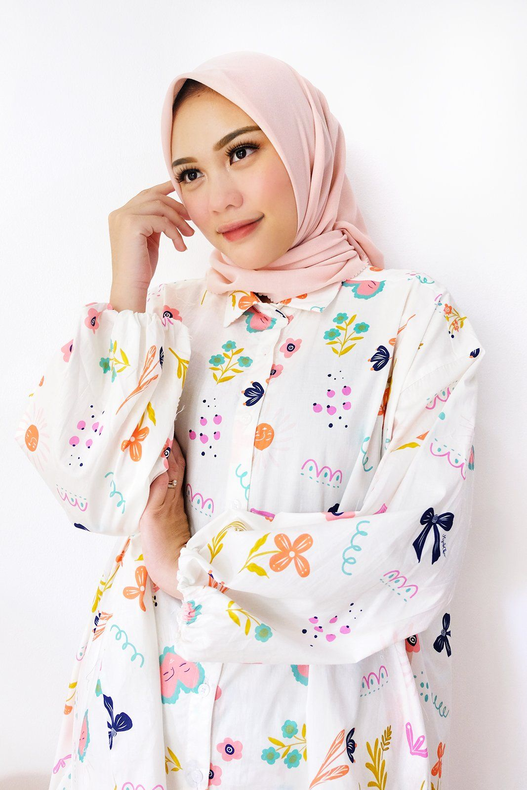 Kiyara White Love Pattern Top