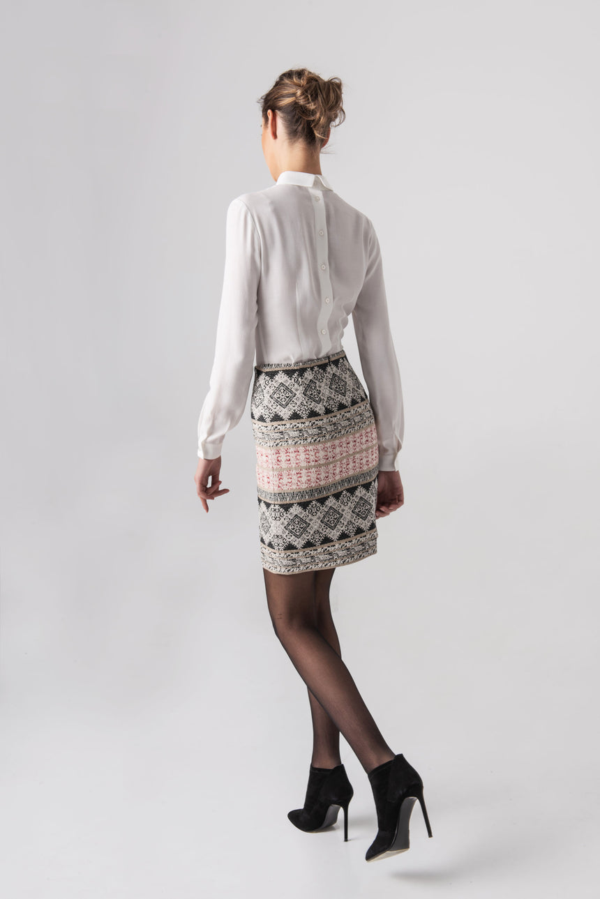 STRAIGHT MINI SKIRT WITH ETNO MOTIF