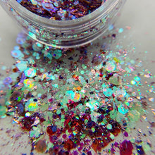 Load image into Gallery viewer, SUGARPLUM COSMIC GLITTER