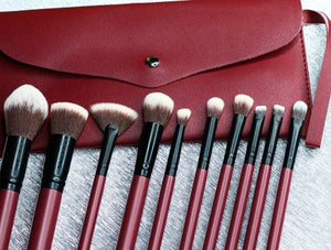 SYRAH BRUSH SET WITH WRISTLET POUCH