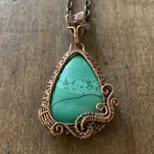 Load image into Gallery viewer, Malachite Wire Weave Pendant