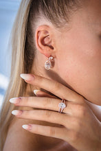 Load image into Gallery viewer, Gold Heave Drop Stud Earrings