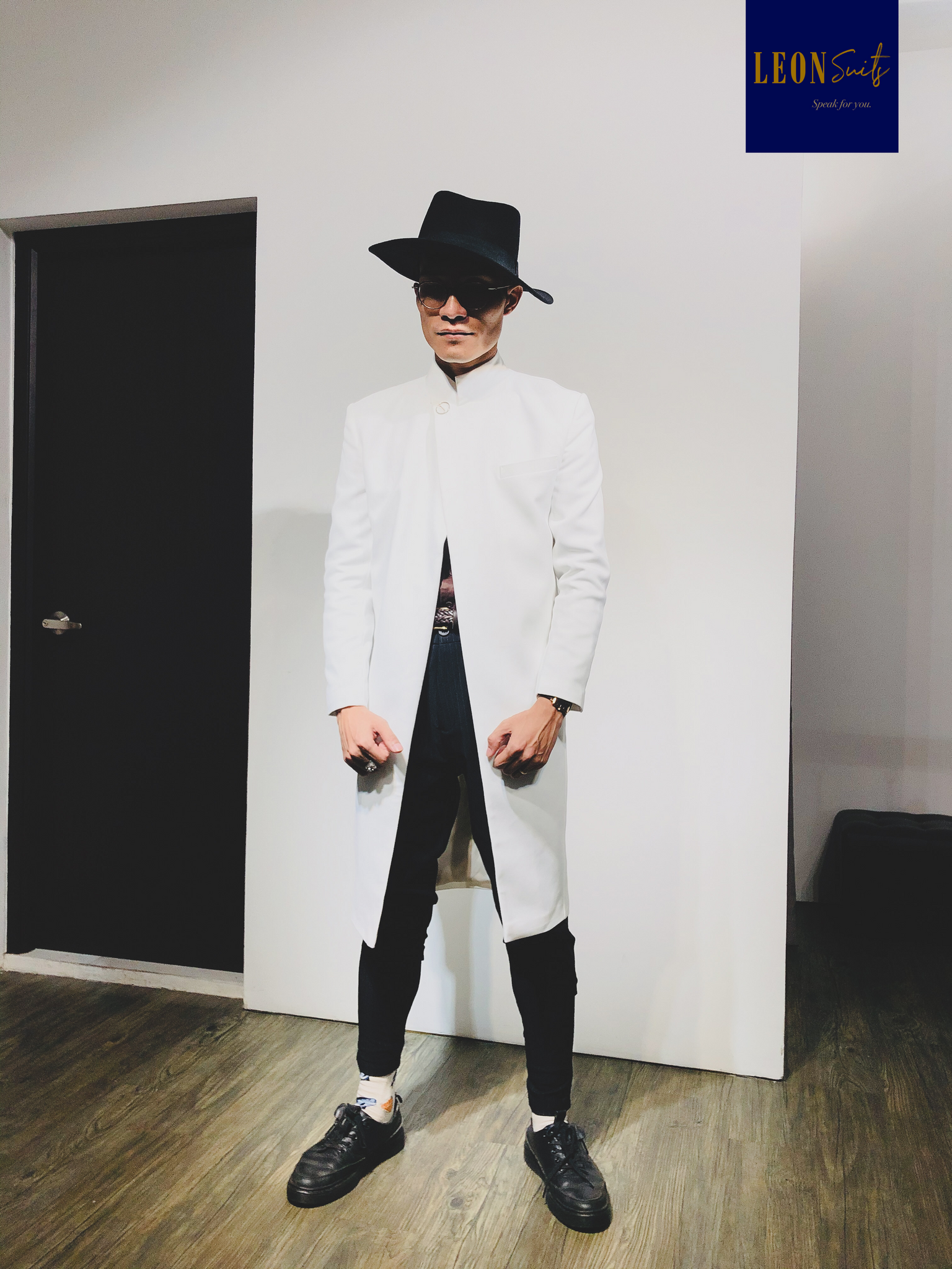 Contemporary Fashionisto White Long Coat/Jacket