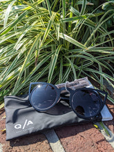 Load image into Gallery viewer, Quay Australia Sunglasses
