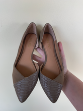Load image into Gallery viewer, Nine West Flats Size 6.5