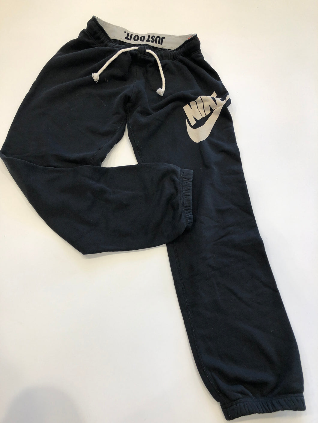 Nike BOTTOMS / CASUAL - ACTIVEWEAR 6-28 as is -image.jpg