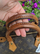 Load image into Gallery viewer, #34 Louis Vuitton Speedy 35