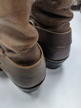 Load image into Gallery viewer, Frye Boots Size 8