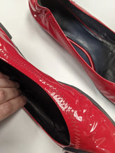 Load image into Gallery viewer, Tory Burch Red Flats Size 8