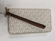 Load image into Gallery viewer, Michael Kors Leather Wallet Wristlet