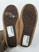 Load image into Gallery viewer, UGG Australia Moccasin Flats Size 8