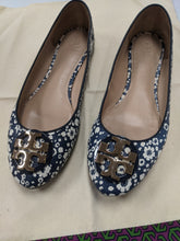 Load image into Gallery viewer, Tory Burch Flats Size 9