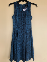 Load image into Gallery viewer, Aqua Dress Size M (8 10)