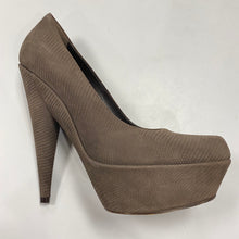 Load image into Gallery viewer, YSL Platform Heels Size 37.5 (7.5)