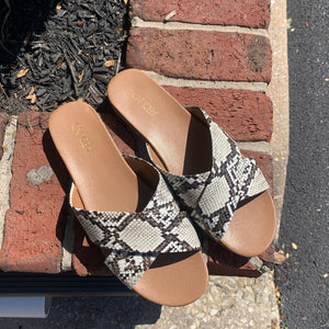 Abound Snakeskin Sandal Size 9
