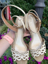 Load image into Gallery viewer, Tory Burch Heels Size 7.5