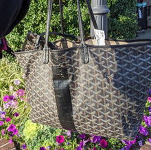 Load image into Gallery viewer, Goyard Leather Tote and Pouch