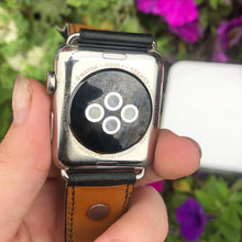 Load image into Gallery viewer, Hermès Apple Watch Series 3