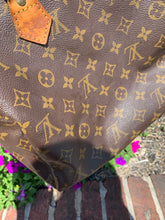 Load image into Gallery viewer, Speedy 30 Louis Vuitton Leather Handbag