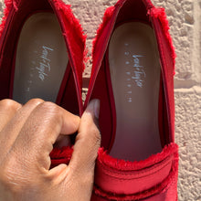 Load image into Gallery viewer, Lord & Taylor Red Flats Size 7