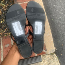 Load image into Gallery viewer, Melissa Sandals Size 7
