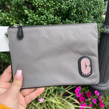 Load image into Gallery viewer, Coach Wristlet
