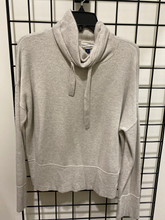 Load image into Gallery viewer, Sweater Size M (8 10)