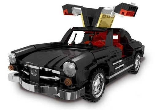 Race across the highways in this 825 piece LEGO® compatible Gullwing Sports Car set from Bricklicious with free delivery worldwide
