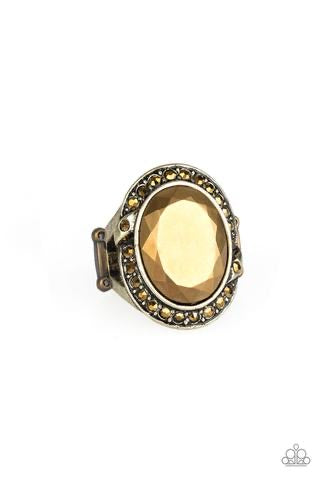 Queen Scene Brass Ring