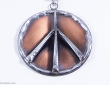 Load image into Gallery viewer, VINTAGE 1960'S | SWANK 2 TONE PEACE SIGN MEDALLION CHAIN NECKLACE