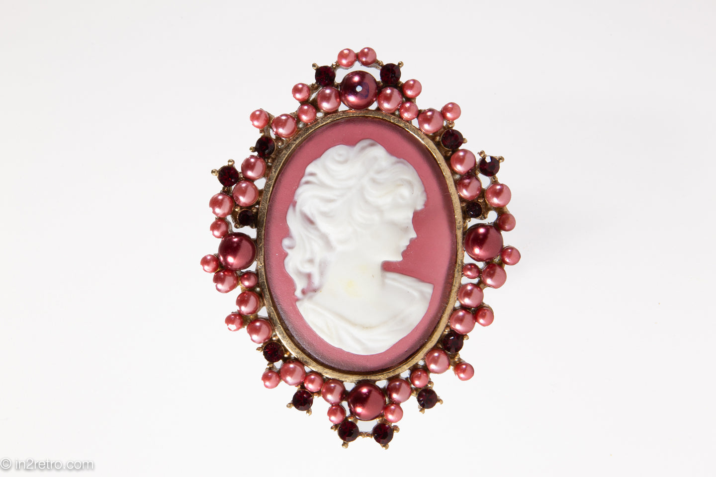 VINTAGE OVAL JEWELED-BORDER CAMEO PIN/BROOCH