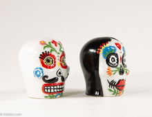 Load image into Gallery viewer, CERAMIC DAY OF THE DEAD/ DIA DE MUERTOS SKULL COUPLE SALT AND PEPPER SHAKERS PERFECT FOR HALLOWEEN