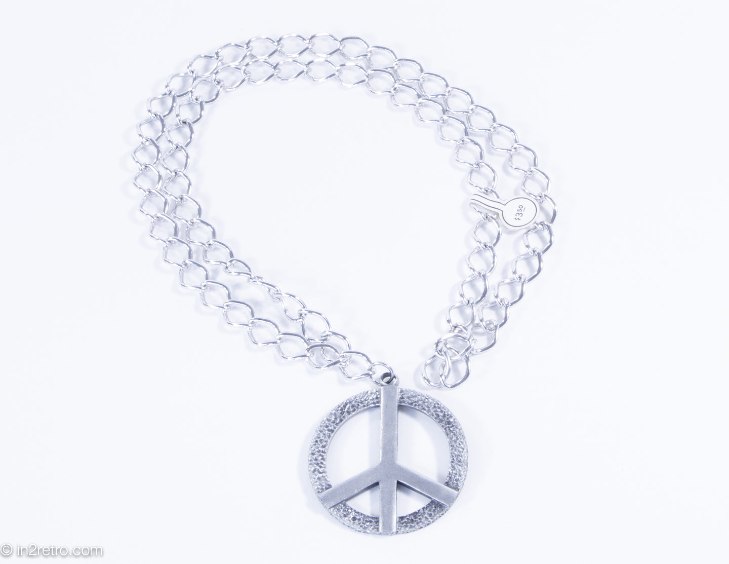 VINTAGE SWANK SILVERTONE PEACE SIGN METAL CHARM/MEDALLION ON CHAIN NECKLACE