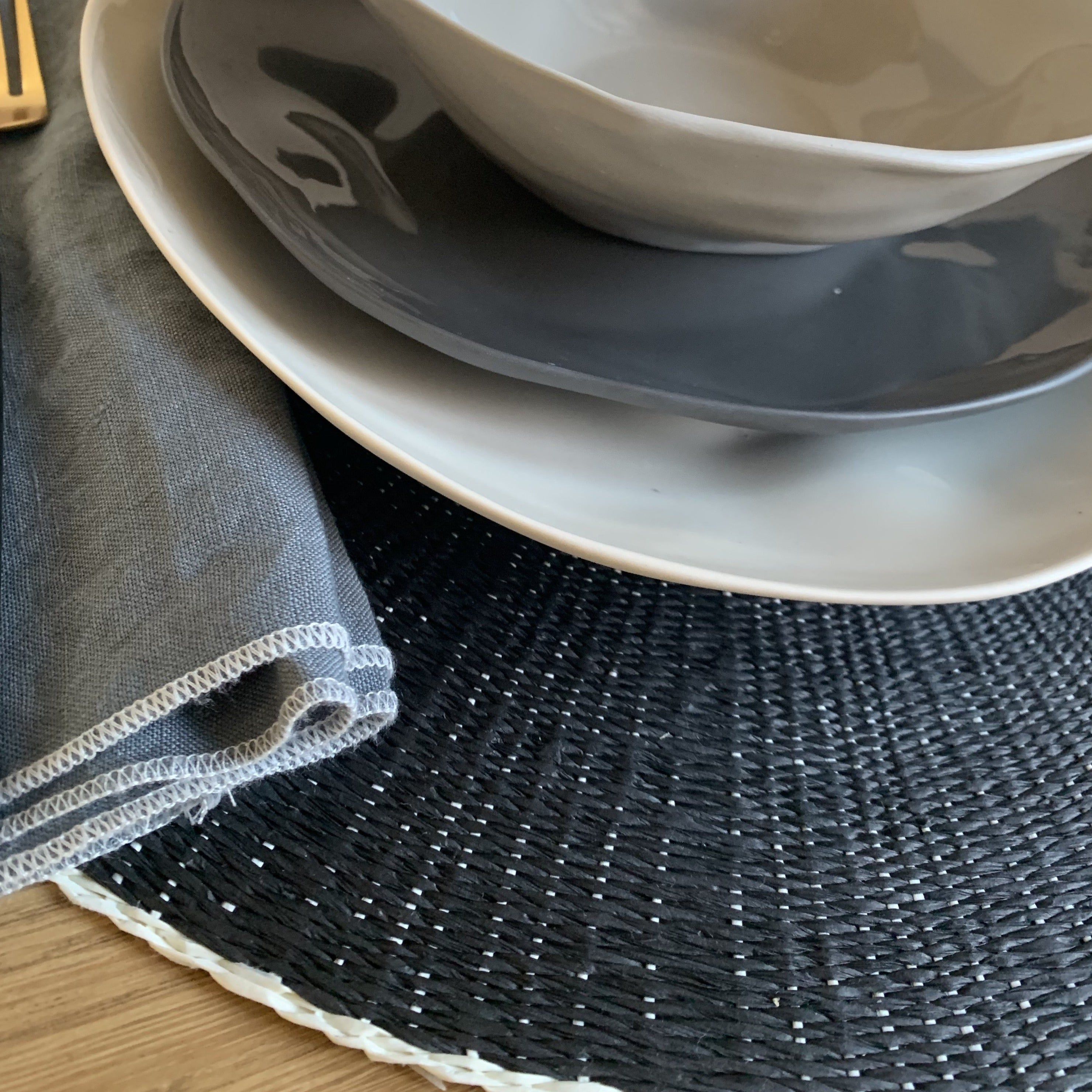 Black & White Round Placemat