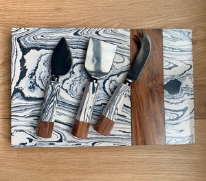 Marble Swirl & Wood with Onyx Cheese Set
