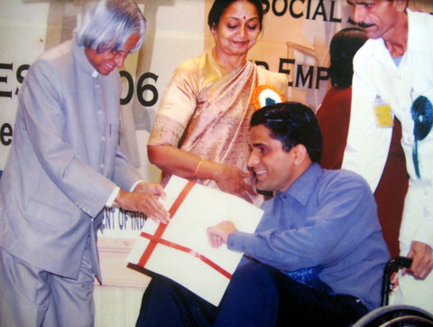 Former President of India APJ Abdul Kalam conferring The National Role Model Award to Captain Gulia