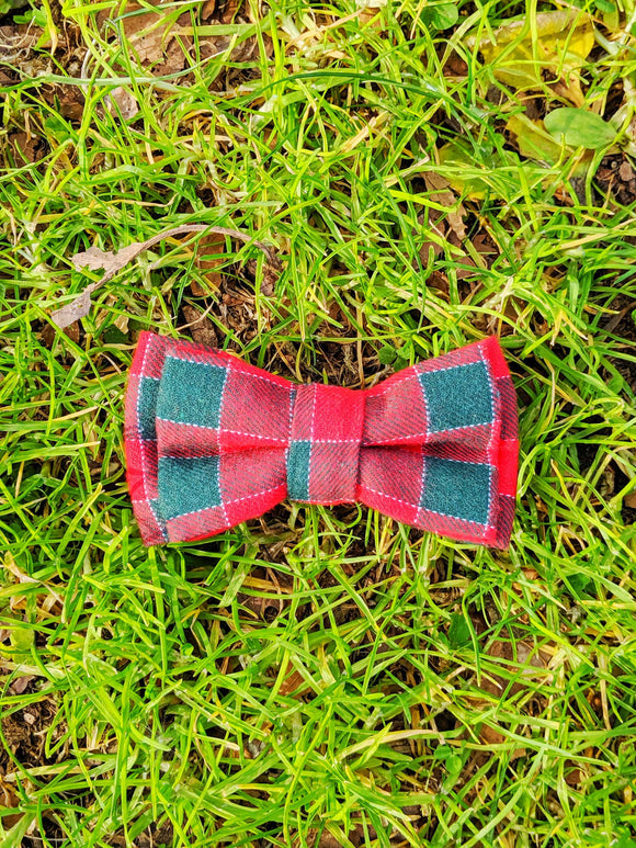 Plaid Bowtie - The Cuddly Boutique
