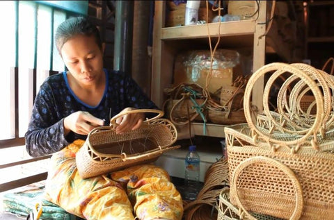 The bags are purchased directly from the weavers and sell directly to you. With doing so, we are able to offer you the finest bags with an affordable price.   Furthermore, we make sure all weavers are fairly compensated which allows them to keep on following their passions while providing for their families!
