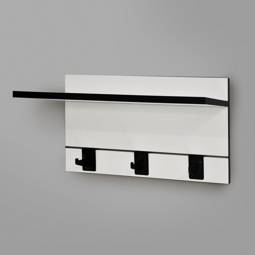 600mm Backpanel 2 lines with 1 x 600 Shelf plus 3 Hooks