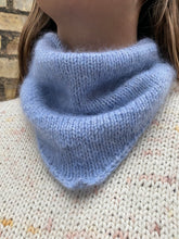 Load image into Gallery viewer, Deima's bandana - knitting pattern (english)
